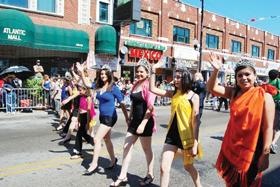 Grandes celebraciones por la Independencia mexicana con desfiles y El Grito