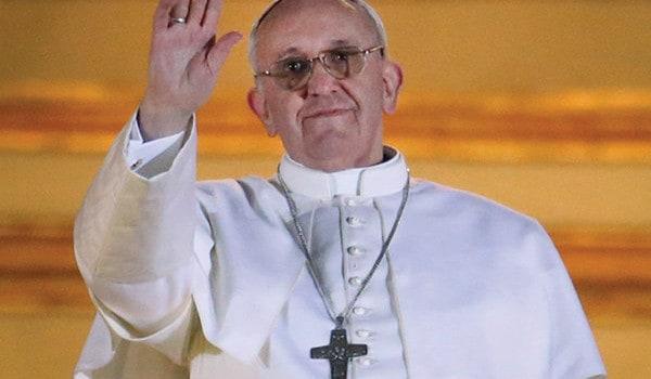Un cardenal humilde, se convierte en Papa Francisco