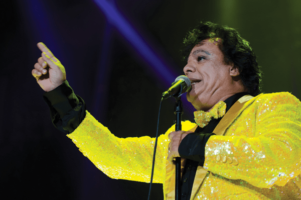 Juan Gabriel en el All State Arena, photo by Jacinto Ariza - jacintoariza.com