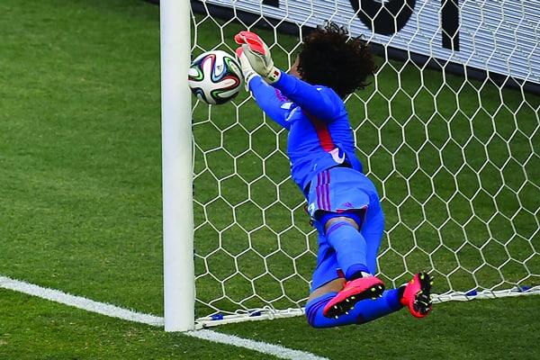 Guillermo Ochoa fue una pieza fundamental en el empate 0-0 ante Brasil, en Fortaleza. Este lunes, el Tri va por su pase a Cuartos de Final ante Croacia.