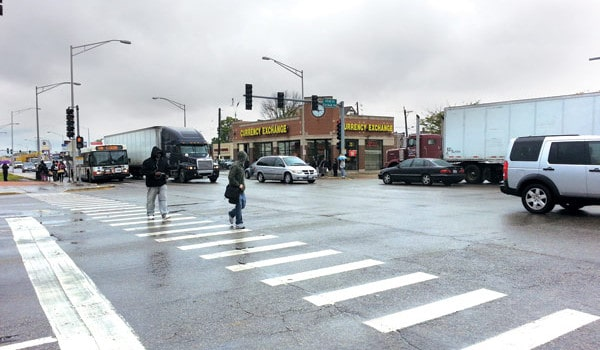 Peligrosos cruces en calles de Chicago